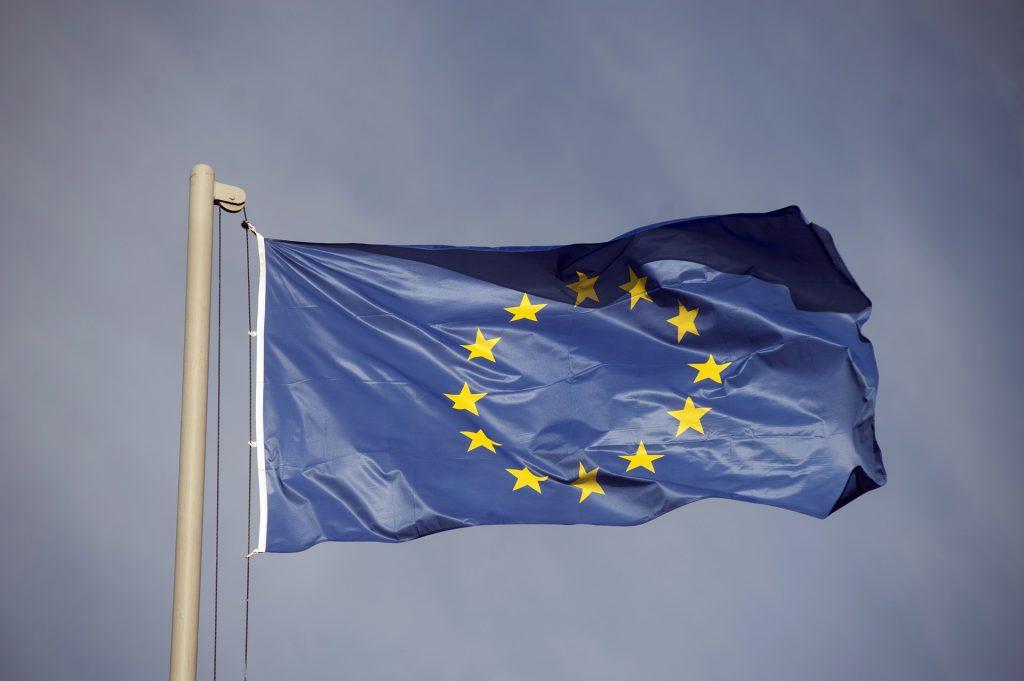 La bandiera dell'Unione e in teoria degli Europeisti. Ad oggi rischia di apparire sempre più priva di significato. Ahimé.